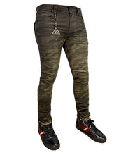 Load image into Gallery viewer, Camo Hunter - Skinny Jean