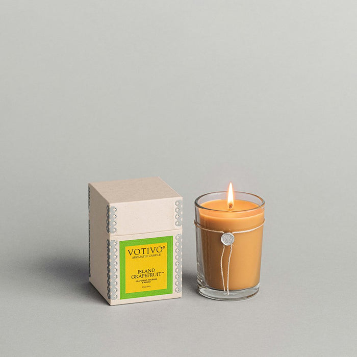 Votivo Aromatic Candle – Island Graperfuit