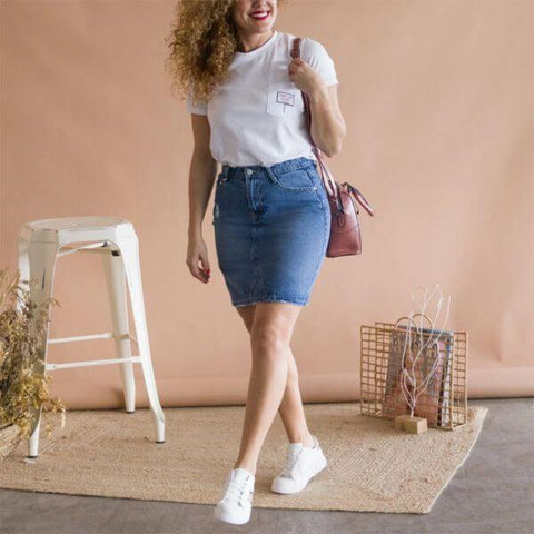 Falda denim con camiseta casual