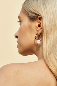 Rylee  Twist Earrings with Pearls