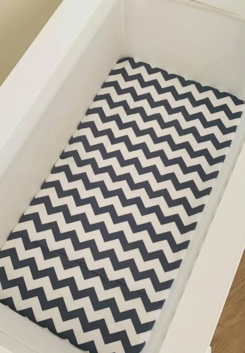 Olive June and Co - Fitted Bassinet Sheet | Chevron Grey