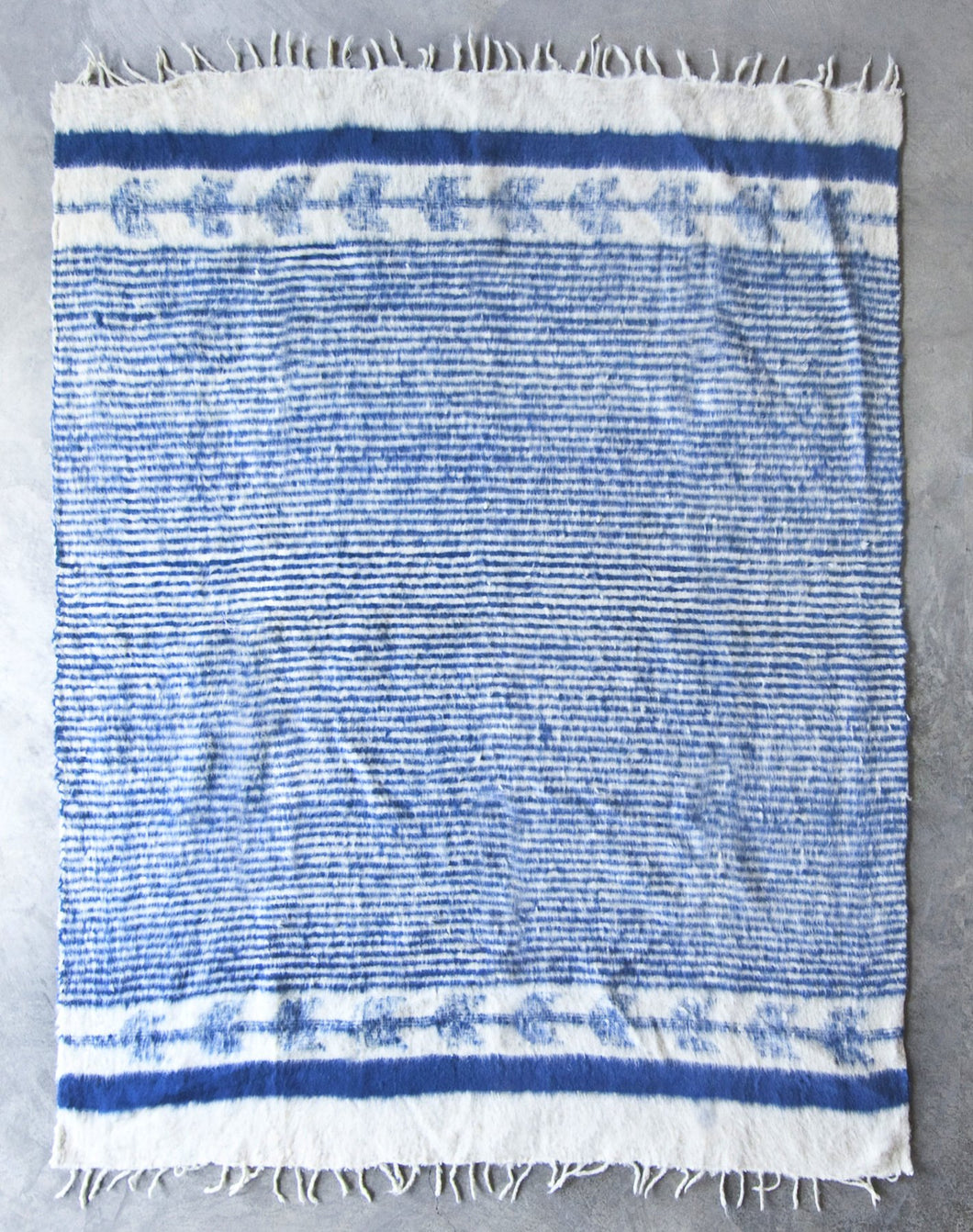 Traditional Momo Blanket | Indigo and Ecru - Blue New York