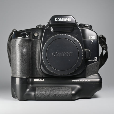 Canon EOS7 Body Only (With Battery Pack)