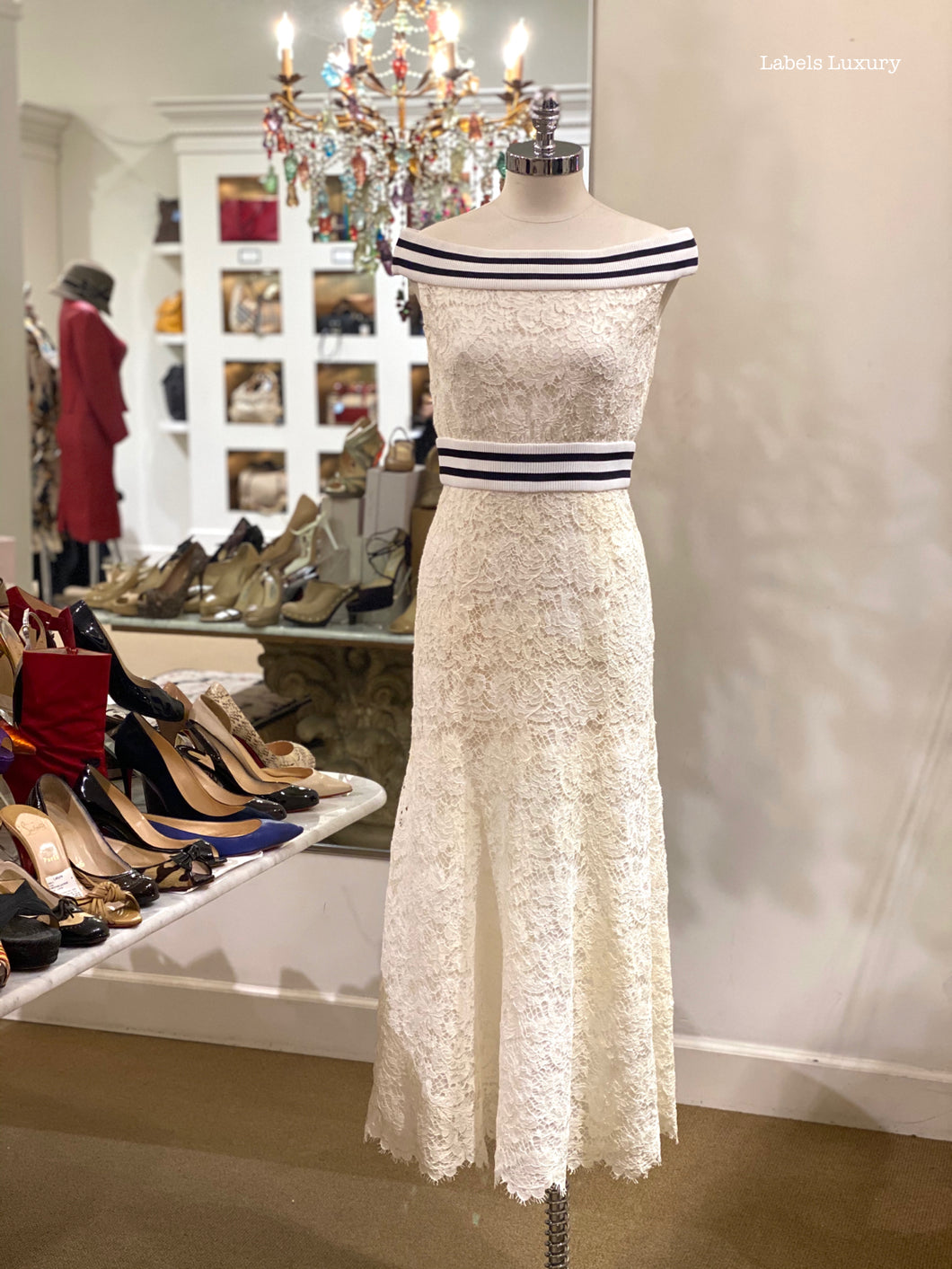 CHANEL Lace Dress | 4 - Labels Luxury