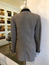 Load image into Gallery viewer, LOUIS FERAUD Wool Blazer | 6 - Labels Luxury