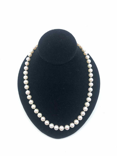 Single Strand Pearl Necklace - Labels Luxury