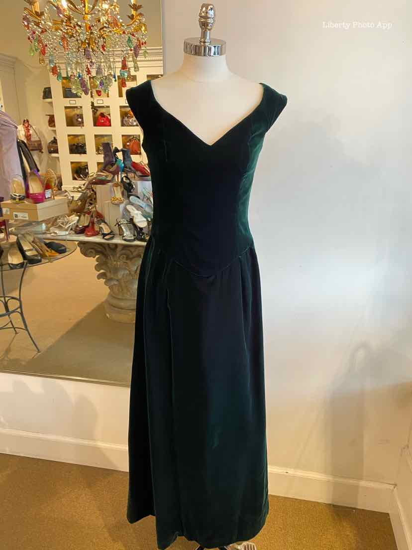 VICTOR COSTA Velvet Gown | 4 - Labels Luxury