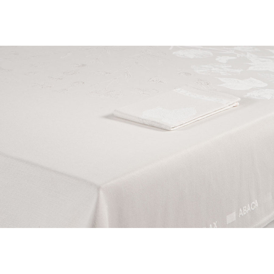 1340g Tablecloth | Christien Meindertsma