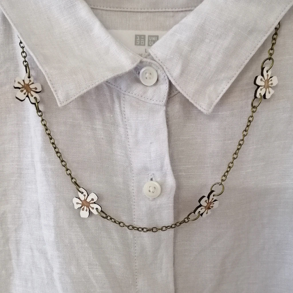 Manuka Flower Chain Necklace