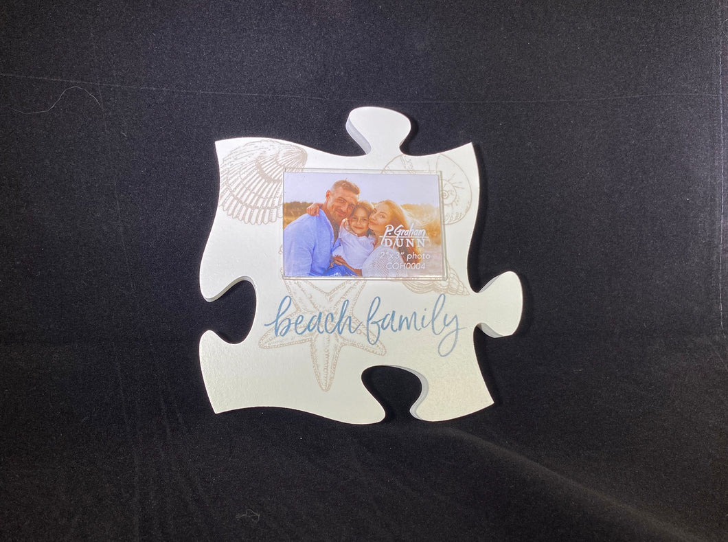PUZZLE Beach Family Frame
