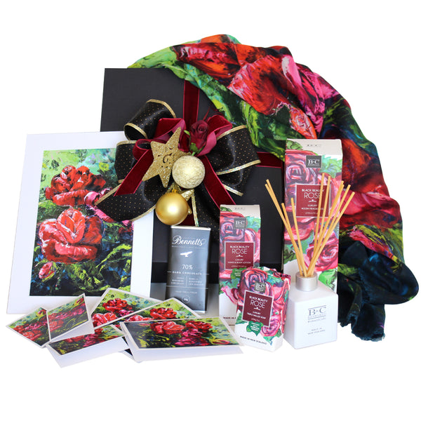 A Rosy Christmas Gift box by Christina Maassen