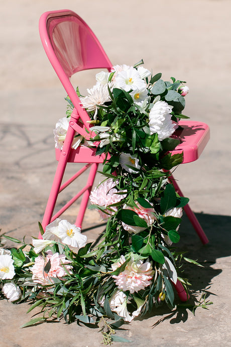 A PRACTICAL WEDDING: Finally: Fake Wedding Flowers Get Super Hip