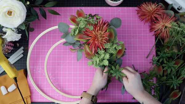 How to Make a Floral Wreath Rogue Petal Co DIY How to