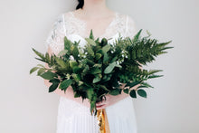 Load image into Gallery viewer, Billie Large Bridal Bouquet
