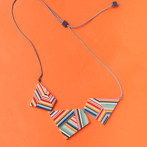 Contrast Striped Pendant Necklace