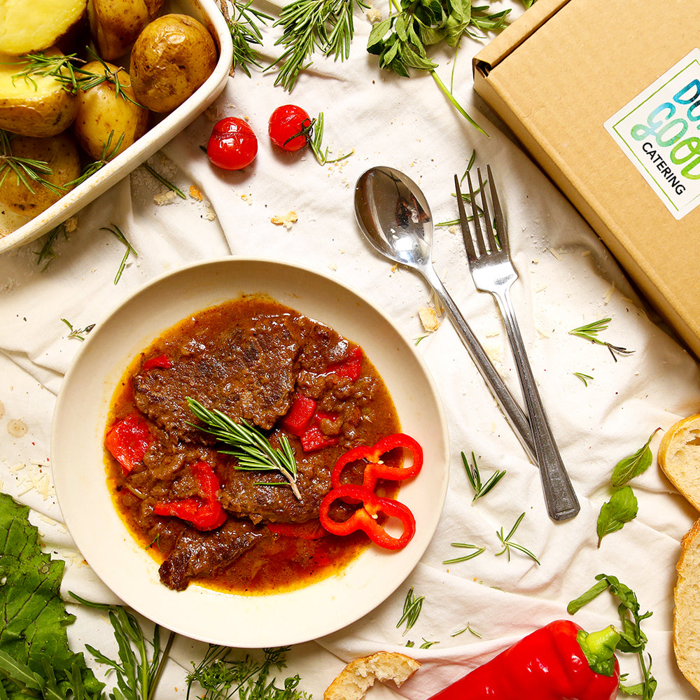 Load image into Gallery viewer, Silverside beef & red peppers braised in red wine & beef stock.
