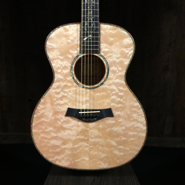 Taylor Custom BTO Grand Auditorium Quilted Maple (2012)