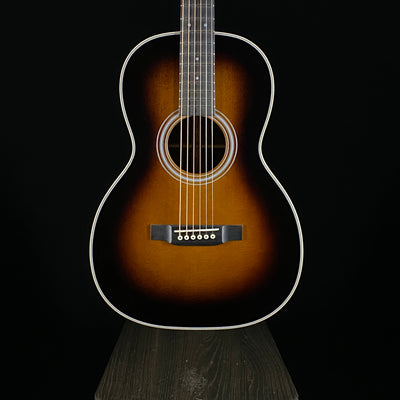 Martin Custom Shop 00 12-Fret, 28 Style Sunburst (8580)