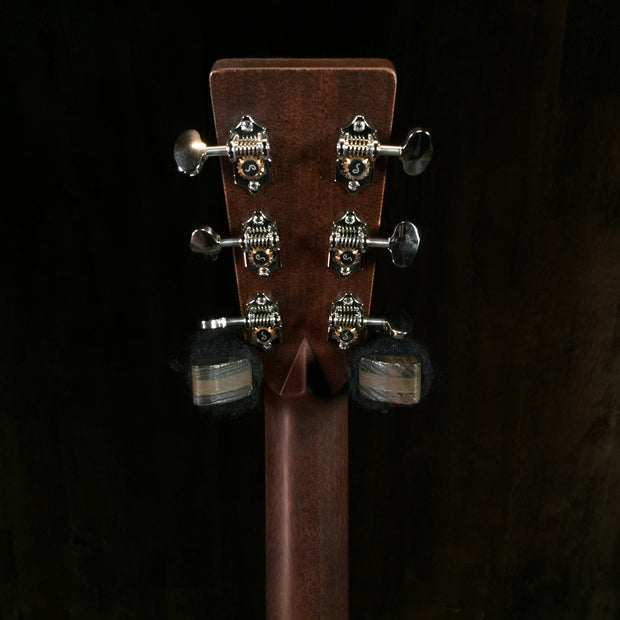 Martin Custom Shop 28 Style Dreadnought Adirondack Top (4223)