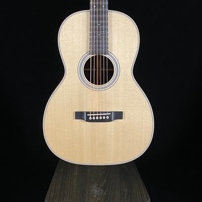Martin Custom Shop 00 12-Fret, 28 Style (8579)