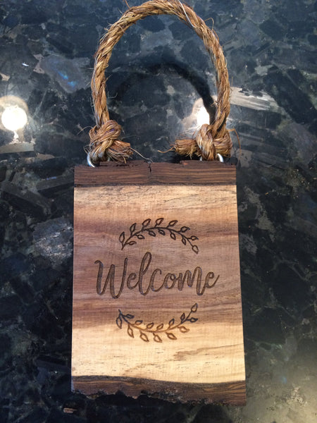 Doorknob Sign Wood Welcome Sign Door Knob Hanger Rustic Vintage Country Cabin Farmhouse Lodge Decor