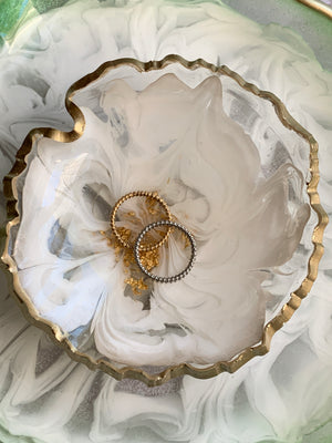 "3D Floral Jewelry/Decorative Dish: 8"" Round"