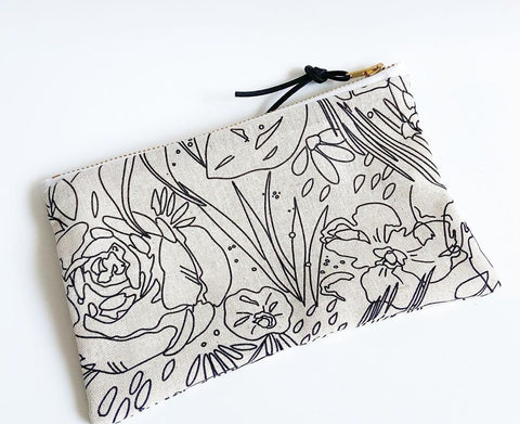 Moody Blooms Carry-All