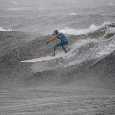 Surfing on Lake Superior in the winter