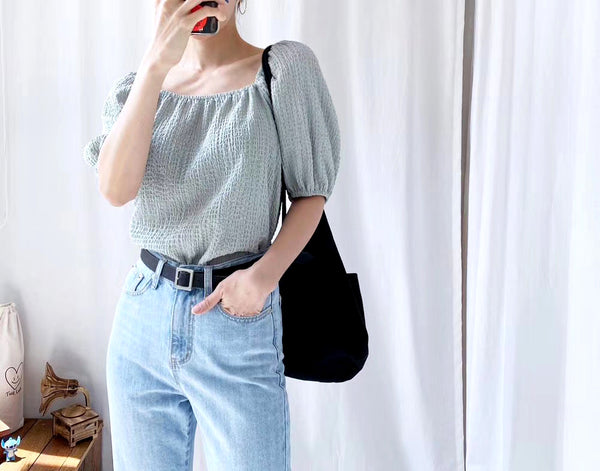 Embossing Puff Sleeves Top (3 colours) (pre order)
