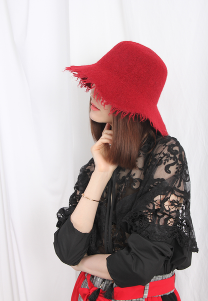 (Korean) Raw Edged Woolly Hat – Red