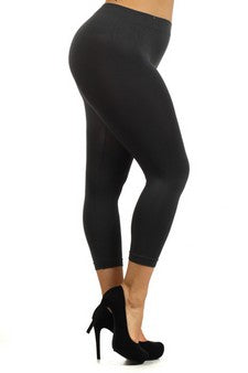 Plus Size Capri Length Leggincs