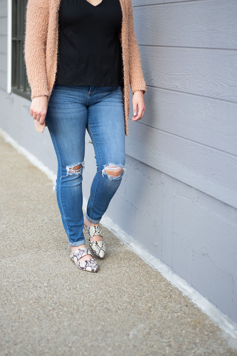 Distressed Ankle Skinny
