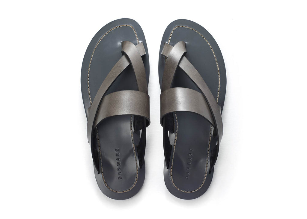 ELEGANT LEATHER CROSS TOE SLIDE WITH BICOLOR TPU SOLELEGANT LEATHER CROSS TOE SLIDE WITH BICOLORED TPU SOL