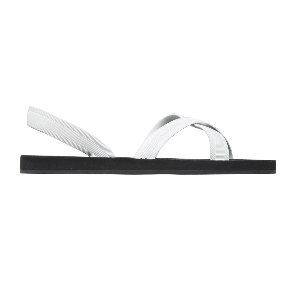 BICOLORED LUXE MICRO SLIDE WITH BACK HEAL STRAP