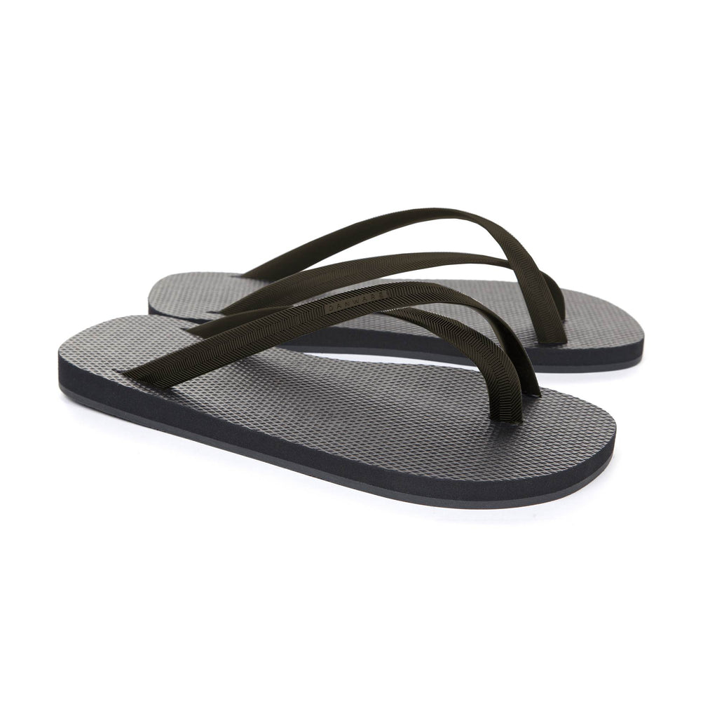 BICOLORED CROSS TOE FLIP-FLOP, BLACK WITH BARK