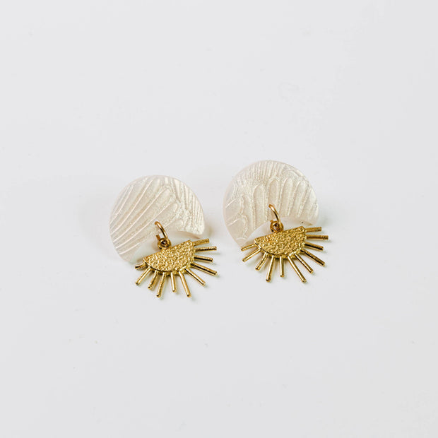 Pepper You - Sunset II Earrings in Golden Shell