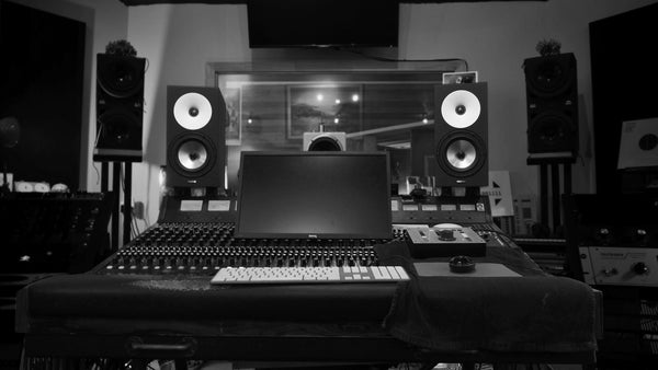 Amphion at Alchemix B&W
