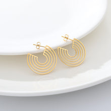 Load image into Gallery viewer, Spiral Hoop Earrings