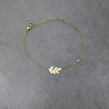 Load image into Gallery viewer, Laurel Wreath Bracelet
