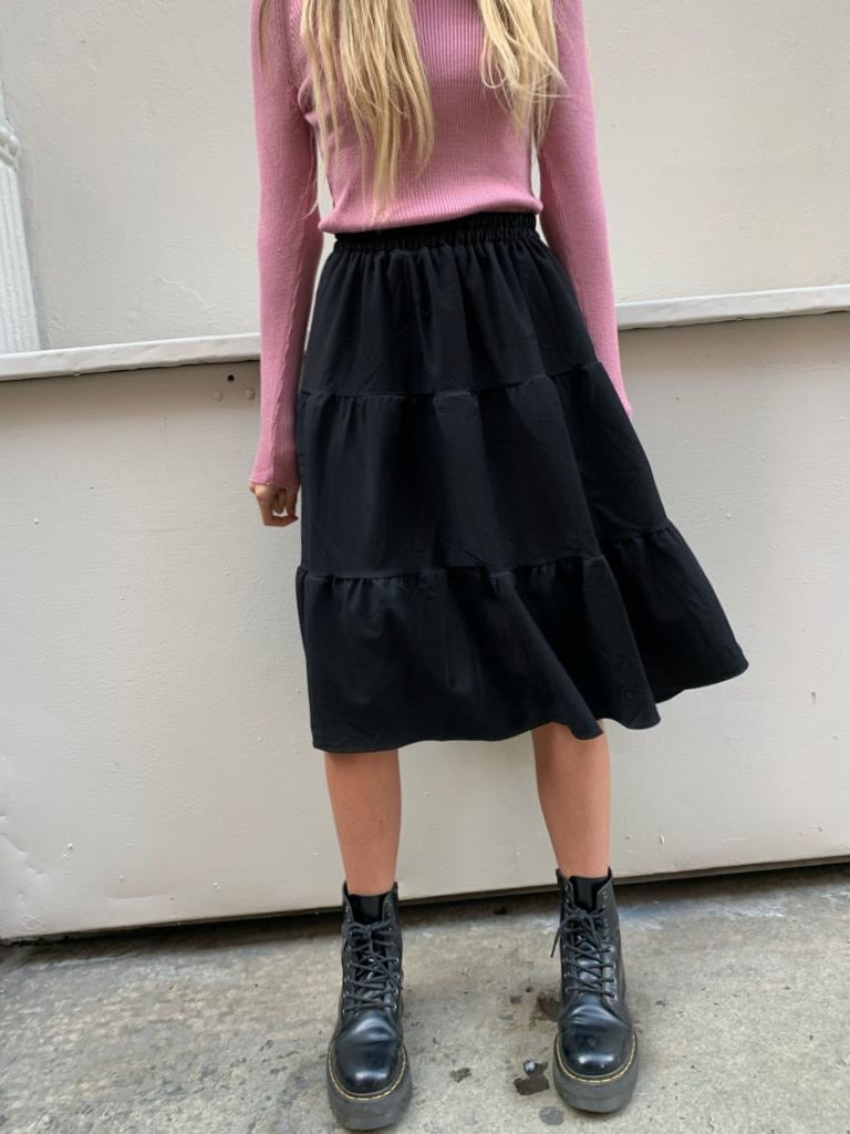 The Black Flirt Skirt *Tall*