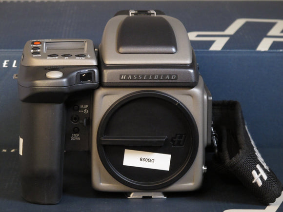 Hasselblad H4D-40 Medium Format Digital SLR Camera with 80mm Hasselblad Lens