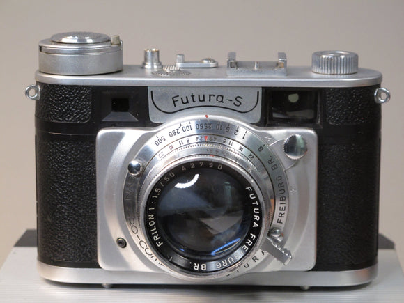 Futura-S Rangefinder Camera with Carl Zeiss Sonnar 5cm f2 Lens