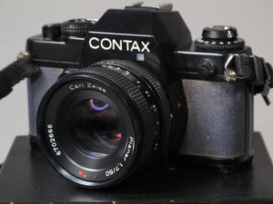CONTAX 139 QUARTZ 35mm camera with Zeiss Planar T* 50mm f1.7 lens
