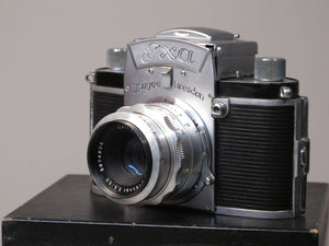 Exa Lhagee Dresden 35mm SLR Camera with Zeiss Jena Tessar 50mm f2.8 Lens