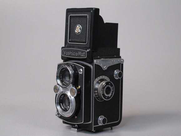 Yashica-Mat 80mm f3.5 TLR Medium Format Camera