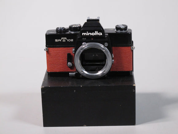 Minolta SRT 202 Body in Red