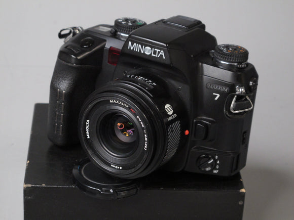 Minolta Maxxum 7 35mm Camera with AF 28mm f2.8 Lens