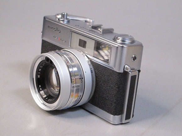 Minolta Hi-Matic 9 Easy Flash Camera with Rokkor-PF 45mm f1.7 Lens