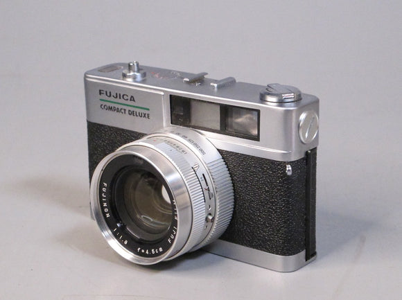Fujica Compact Deluxe Camera with Fujinon 4.5mm f1.8 Lens