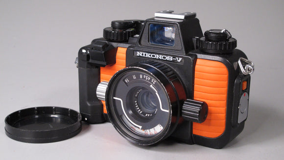 Nikonos V Underwater 35mm camera with 50mm f2.5 lens